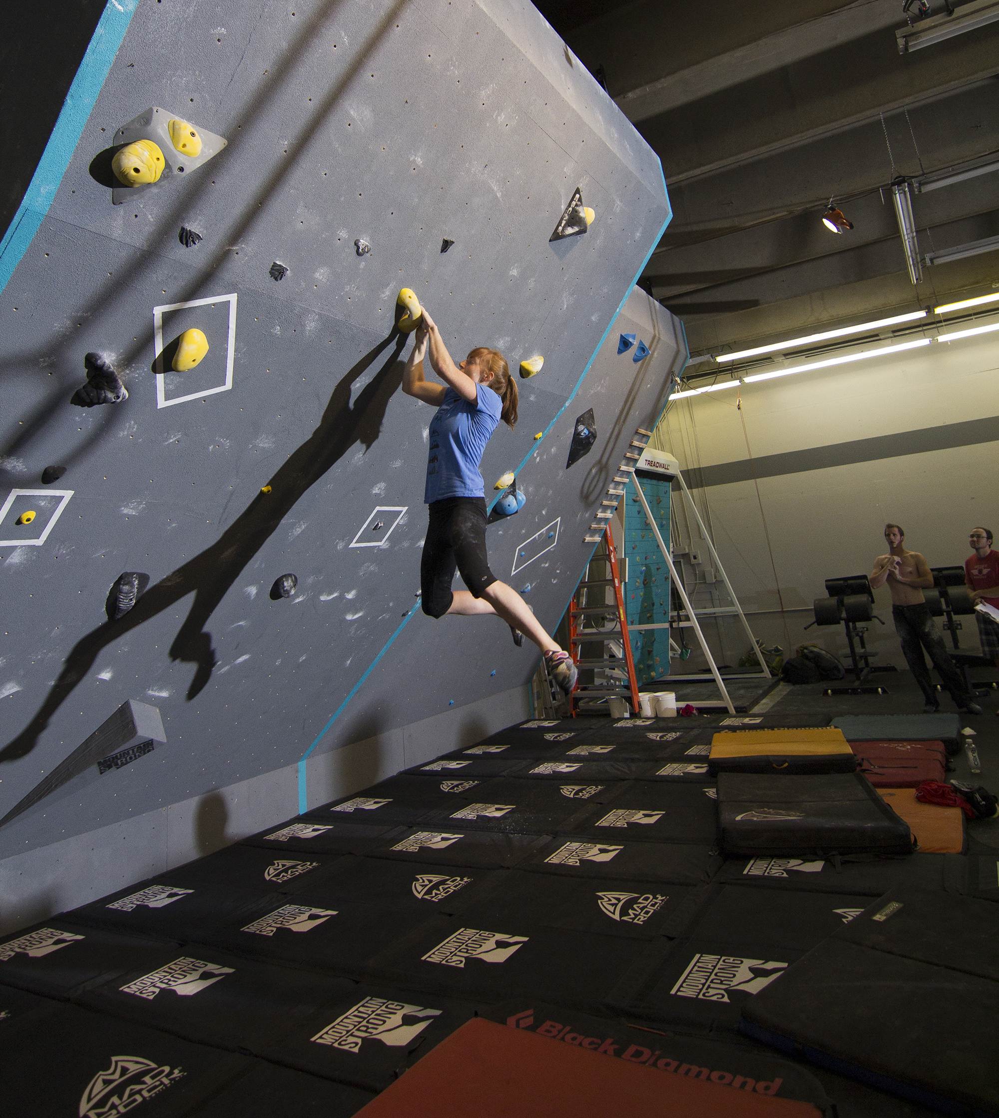 Crossfit Gloves For Rope Climbing: Climbers' CrossFit Gym Grabs Hold Of New Market