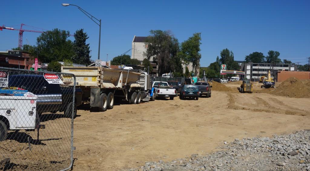 Work has begun on a large apartment complex near DU. Photo by Burl Rolett.