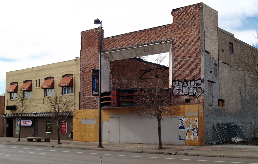 The former Kitty's South building at 119 S. Broadway. (Aaron Kremer)